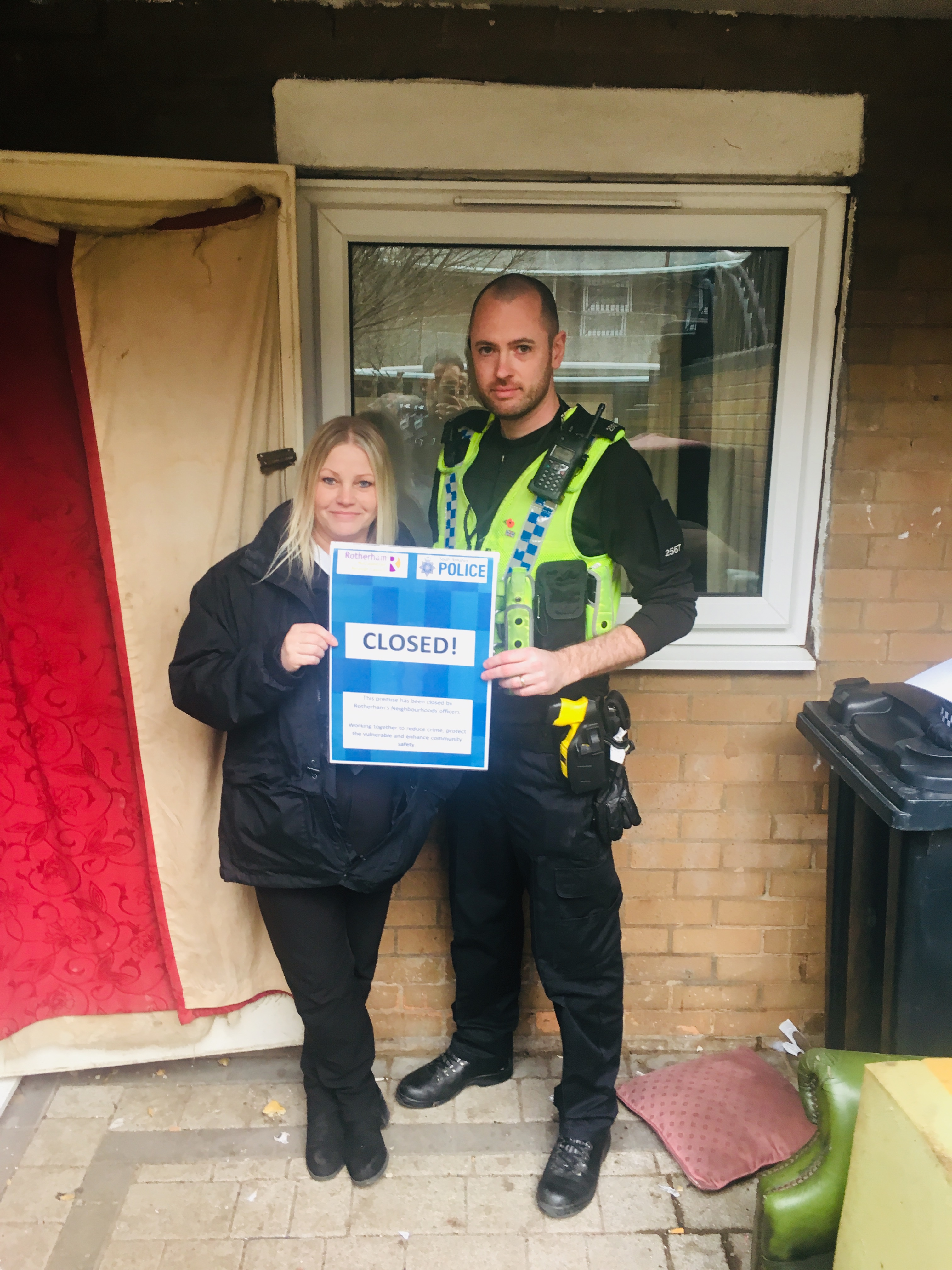 PC Robson from Central Rotherham Neighbourhood Poling Team with RMBC Housing Officer Joanne Russell